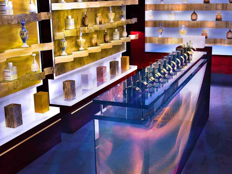 Retail interior design concept excellent graphic design for Retail interior design
